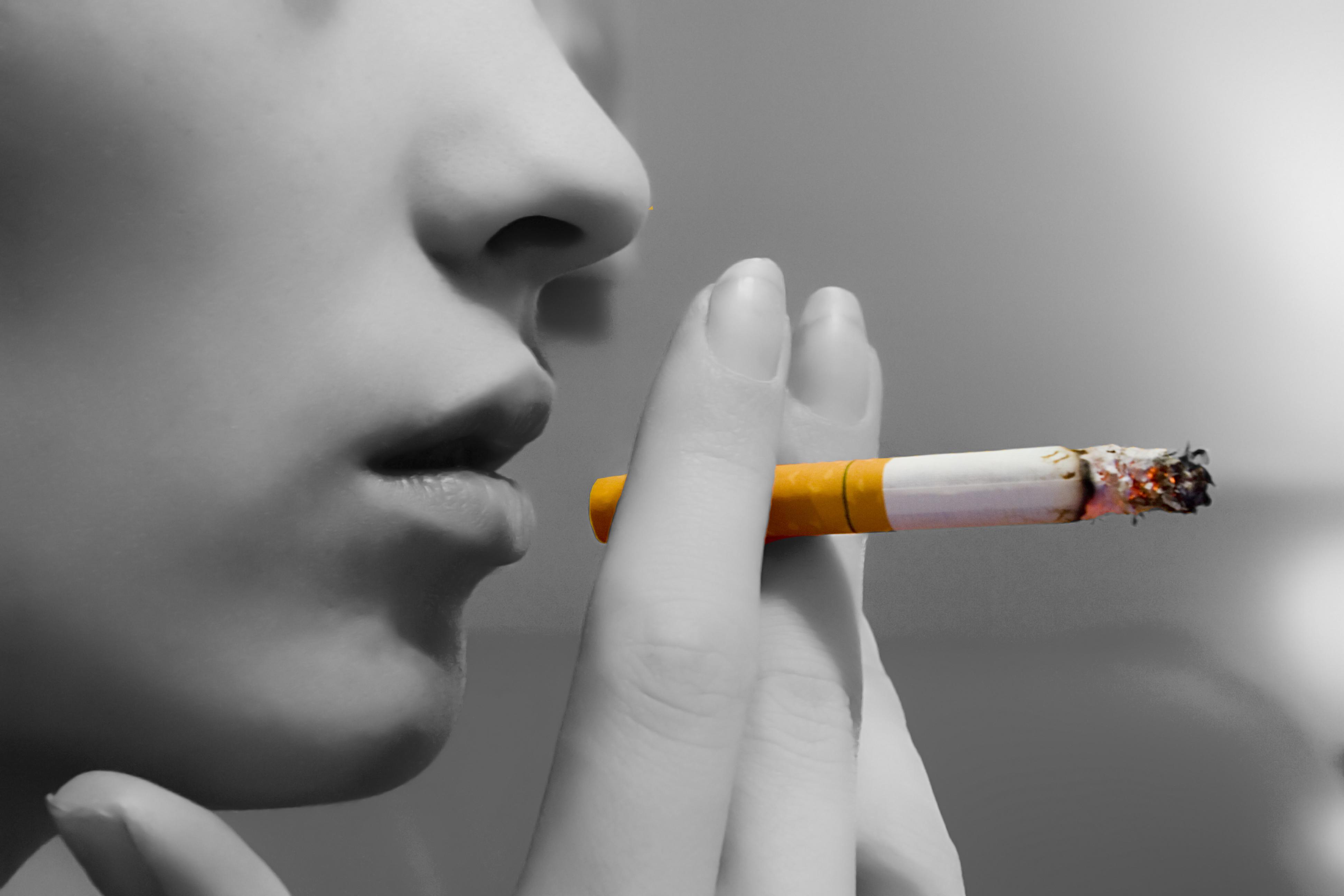 143687748265-wwwheartwiseministriesorg-Lady-Smoking-blackwhite